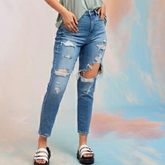 American Eagle Curvy Mom Jeans Ripped High Waisted Rise 90s